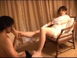 S痴女 VS M男 のコレクション お嬢様の足舐め命令 麻生るみ 裏DVDサンプル画像