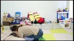 【個人撮影】人妻 はづき  自宅内子供の前でフェラ 口内射精後ザーメン歯磨き 裏DVDサンプル画像