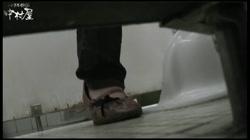 命がけ潜伏洗面所! パンツ全開! Vol.23 裏DVDサンプル画像
