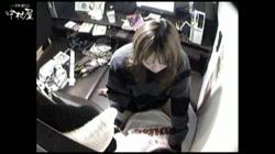 インターネットカフェの中で起こっている出来事 Vol.012 裏DVDサンプル画像