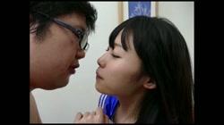 嫌いなタイプのキモ男と濃厚ベロチュー Vol.01 あみ 裏DVDサンプル画像