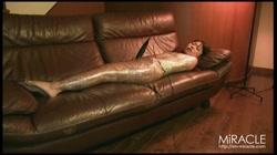 ラップで巻かれて窒息放尿昇天 三奈 裏DVDサンプル画像