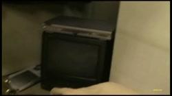 M女集結!弄ばれる変態シロウト 色白人妻を寝込み襲撃!シミパン有り! 裏DVDサンプル画像
