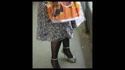 綺麗なモデルさんのスカート捲っちゃおう!! vol13 裏DVDサンプル画像