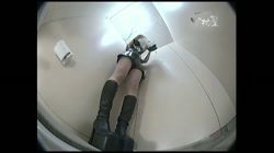 レースクィーントイレ盗撮! Vol.19 - 無料アダルト動画付き(サンプル動画) サンプル画像10