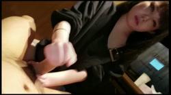 【顔出し・無修正】くびれ美人なボーカリストネカフェでフェラ手コキ連続抜きホテル中出し サンプル画像3