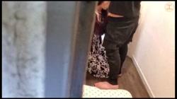 【個人】返済ないため公開。浪費家の美人妻を玄関先で犯して夫婦の寝室で中出し サンプル画像2