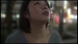 貧困女性・ネットカフェ難民の実態に迫る!ネカフェ在住のキャバ嬢 - 無料アダルト動画付き(サンプル動画) サンプル画像1