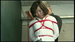パンツを穿いたまま浣腸排泄してしまう女 [晴美] - 無料アダルト動画付き(サンプル動画) サンプル画像0