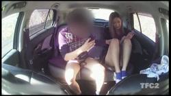 【個人撮影】車内ハメ撮り 「顔はダメですよ!w」ヤンママさんと真っ昼間から車内で生SEX!生挿入外だしでたっぷり射精! - 無料アダルト動画付き(サンプル動画) サンプル画像12