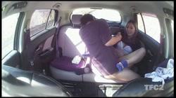 【個人撮影】車内ハメ撮り 「顔はダメですよ!w」ヤンママさんと真っ昼間から車内で生SEX!生挿入外だしでたっぷり射精! - 無料アダルト動画付き(サンプル動画) サンプル画像15