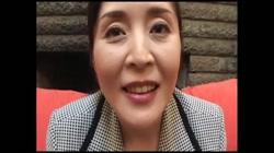 若林かな 無修正動画「美人50代はバツイチで悠々自適」 - 無料アダルト動画付き(サンプル動画) サンプル画像1