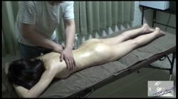 【無】クッキリはっきりな乳頭を持つスレンダー人妻の乳首をエロマッサージしたら感度が倍増!?身をくねらせまくりでイキ果てちゃいました。。。 - 無料アダルト動画付き(サンプル動画) サンプル画像1